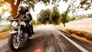 Accesoriile utile pentru o vacanta pe motocicleta
