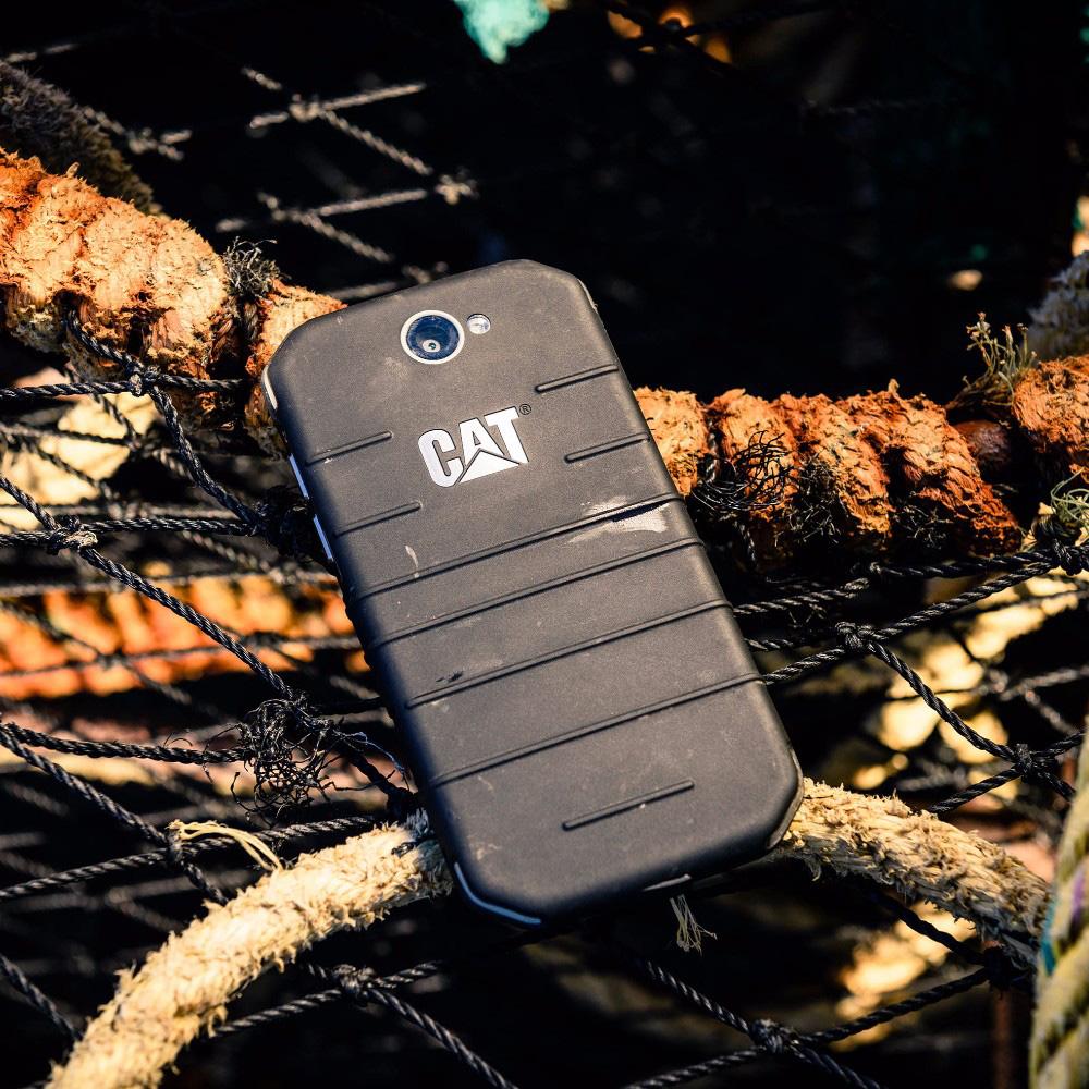 S31 Dual Sim 16GB Negru